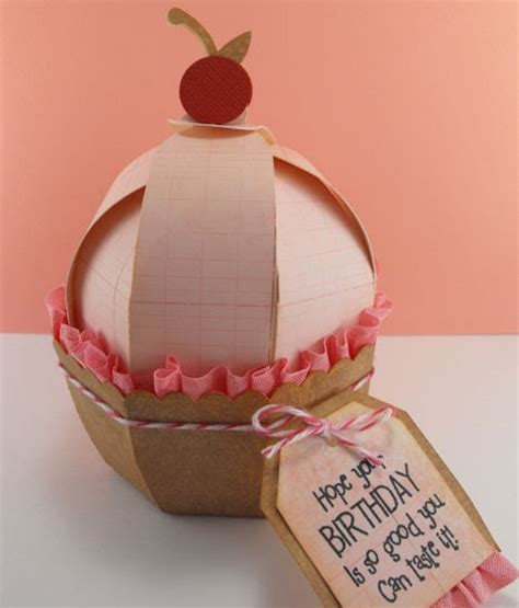 How To Make A Cupcake Box Out Of Paper - my craft spot 3d cupcake box from the new project cartridge