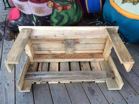 How To Make A Pallet With A Back by Pallet Bench With Unique Back