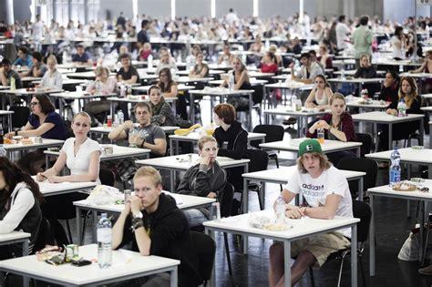 test di ammissione lettere universit 224 in 115 mila per i test di ammissione