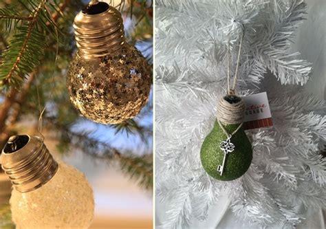christmas decorating ideas  ways  reuse  light bulbs