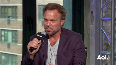 norbert leo butz youtube norbert leo butz on his quot wicked quot wardrobe build series