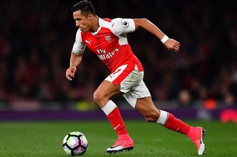 chelsea alexis sanchez alexis sanchez arsenal star motivated by titles chelsea