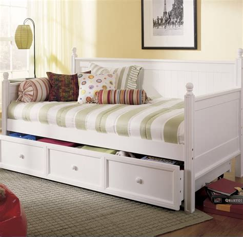 pictures of daybeds 7 white daybeds with storage drawers cute furniture