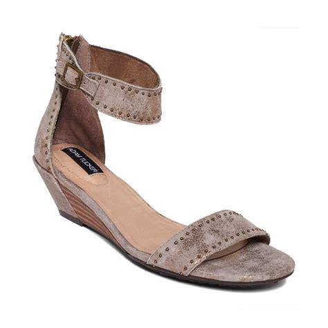 adam tucker shoes me adam tucker lexa wedge sandals in brown gold