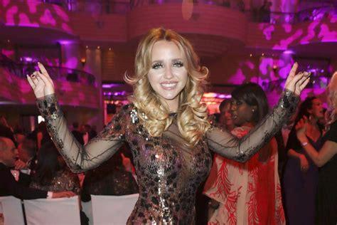 Cathy Lugner Ungeschminkt Nach Wilder Grill Gala De