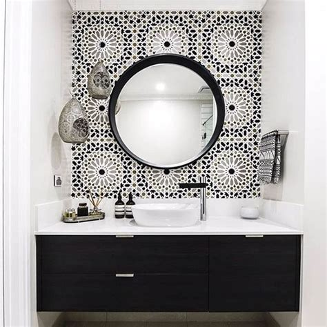 Black White Bathroom by 25 Best Ideas About Black White Bathrooms On
