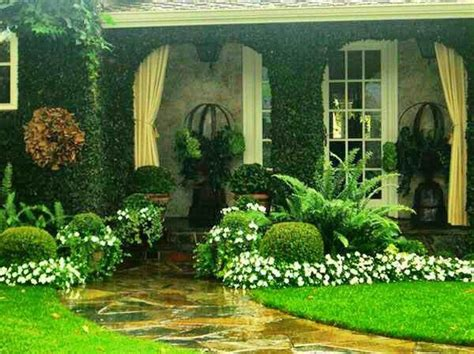 beautiful front yard landscaping idea front yards pinterest beautiful planters and the white