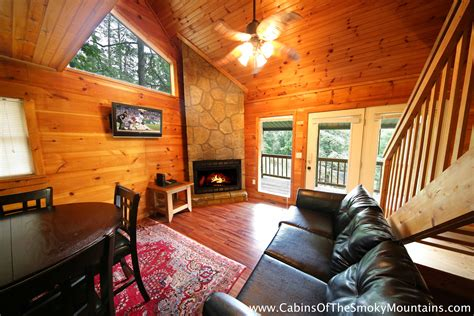 smoky creek cabins hilltop hideaway pigeon forge and gatlinburg pigeon forge cabin dolly s hideaway from 130 00