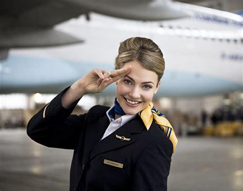quanto si guadagna in assistente di volo come diventarlo e quanto guadagna