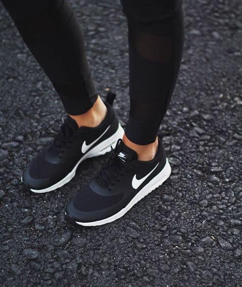 y yo en zapatillas las 25 mejores ideas sobre nike mujer en tenis para zapatos de fitness y