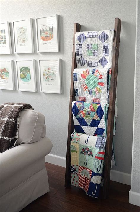 25 best ideas about quilt ladder on blanket
