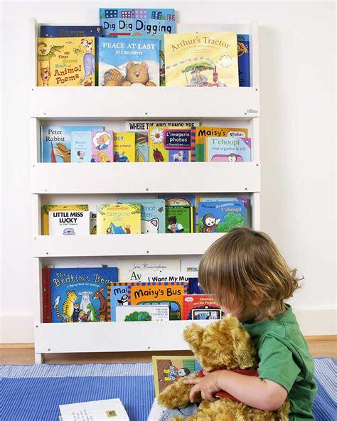 librerie per bambini tidy books libreria frontale per bambini in legno bianco