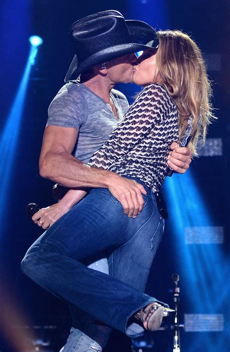 tim mcgraw tears up talking about wife faith hill video huffpost
