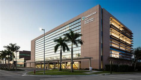 Civic Center Floor Plan by Som Cleveland Clinic Florida Neurological Institute