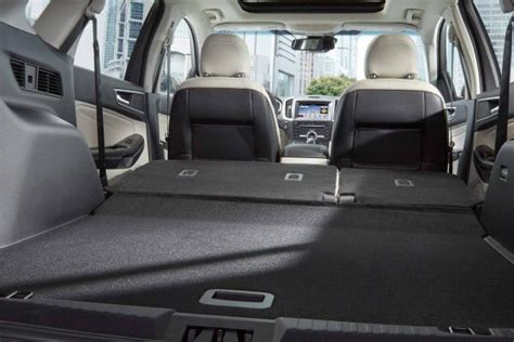 cargo space  ford edgeo   welch ford lincoln