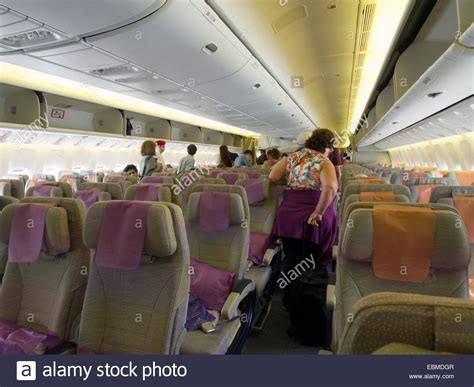 Boeing 777 300er Interior Pictures by Emirates Boeing 777 Inside Www Pixshark Images