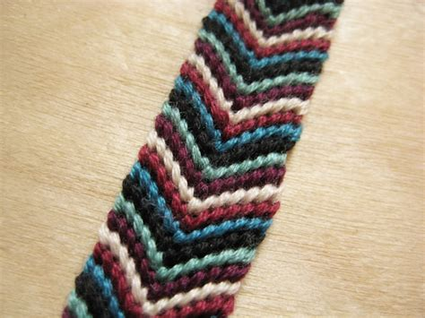 Classic Chevron Friendship Bracelet   How Did You Make This?   Luxe DIY