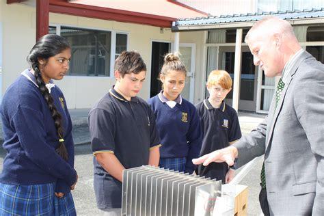sunray solar l post solar energy fuels bright futures for otaki pupils