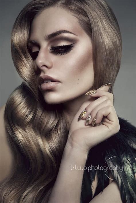 bangs that hit right at cheek bangs that accentuate cheekbones 25 best ideas about high