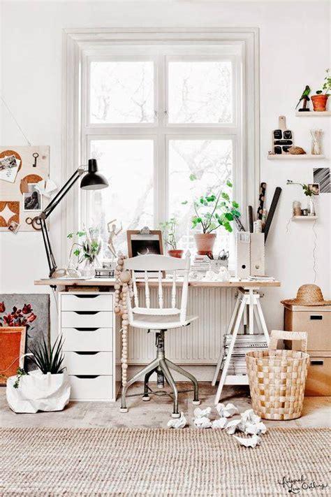 pinterest deco bureau deco scandinave en blanc et tons naturels vu sur