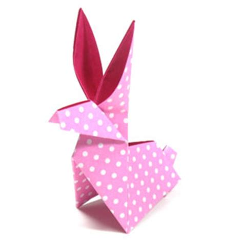 To The Moon Rabbit Origami - how to make a traditional origami moon rabbit page 1