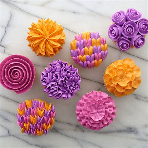 flower decorating tips flower gallery cupcakes wilton