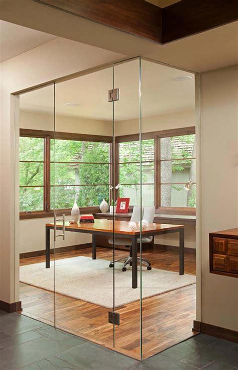bureau like porte int 233 rieure vitr 233 e et sa place dans le design