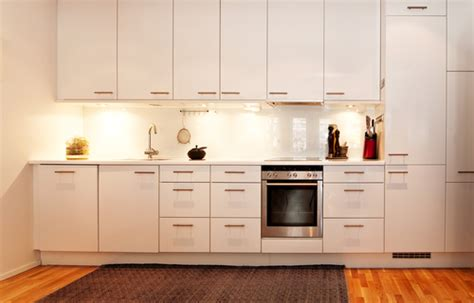 tips on painting kitchen cabinets 6 tips on how to paint your kitchen cabinets