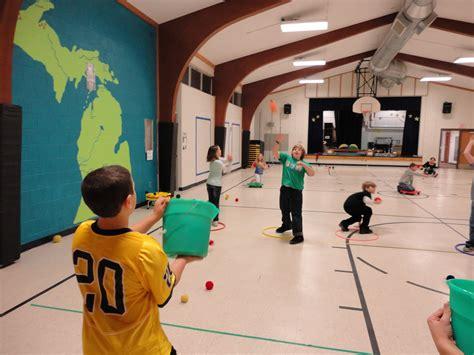 kindergarten activities pe carly s pe games p e christmas games