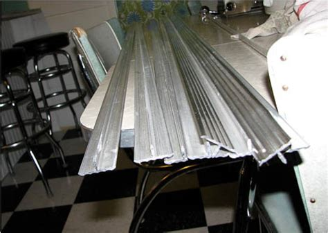 Metal Trim For Countertops by Create A Large Fabulous Retro Kitchen And Breakfast Room