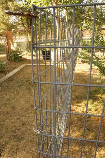 cheap easy dog run  build diy dog run diy dog fence