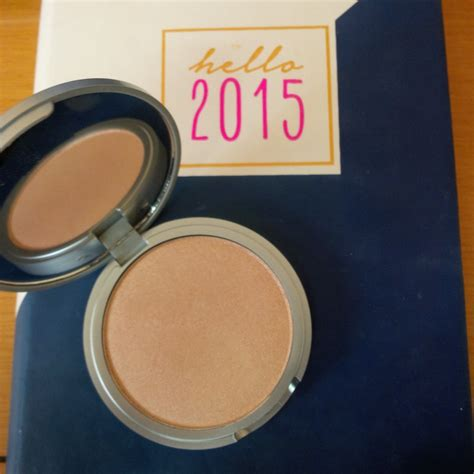 The Balm Manizer Highlighter the balm the balm lou manizer highlighter shadow