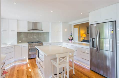 sgabelli da cucina in legno sgabelli da cucina in legno homehome