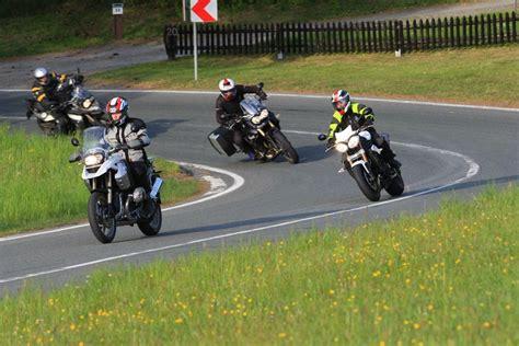 Motorrad Strassen Deutschland by Motorrad Sicherheitstrainings Auf Der Stra 223 E Bald In Ganz