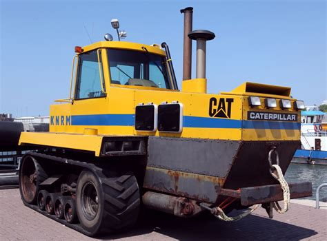 Caterpillar A516121111 Original 1 file knrm caterpillar cat jpg wikimedia commons