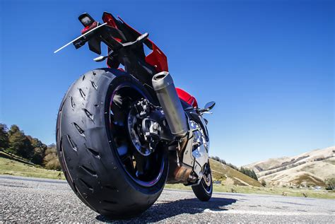 Raket Rs Power 800 Se michelin introduces power rs sportbike tire motorcycle news