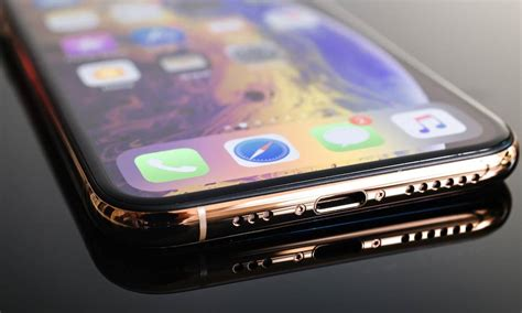 iphone xs xs max users report borderline criminal charging times