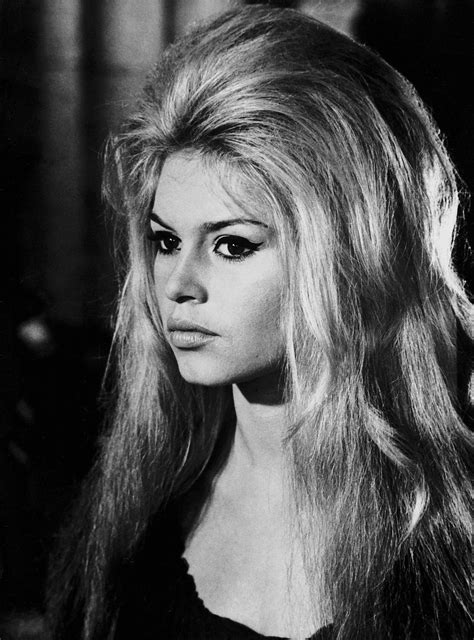 Brigitte Bardot Hairstyles by Brigitte Bardot Hair Is Official Back For 2017 See