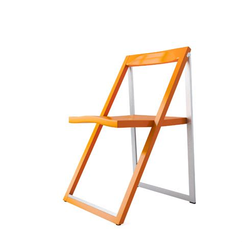 skip folding chair by calligaris dimensiva