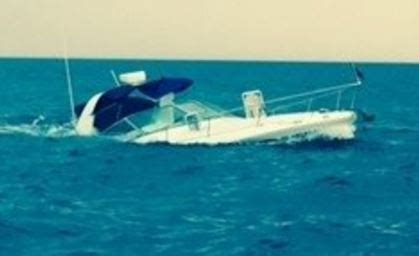 boat sinking lake michigan missing boater left marina days before 31 foot vessel