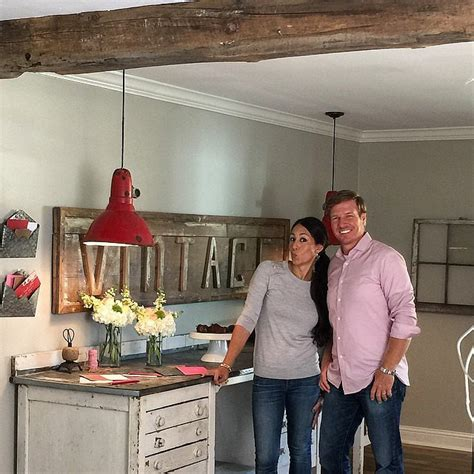 joanna gaines home design ideas vintage decorating ideas from joanna gaines popsugar home