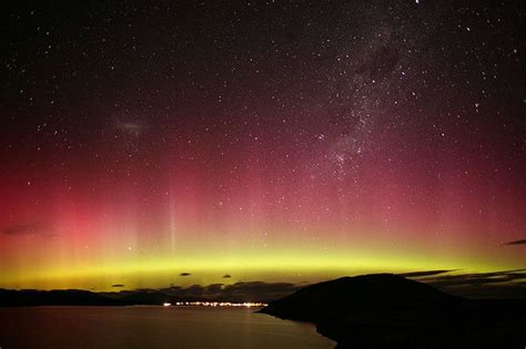 southern lights aurora australis over new zealand outer space pinterest