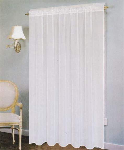 tende bianche da letto come scegliere i tessuti per l estate per la da letto