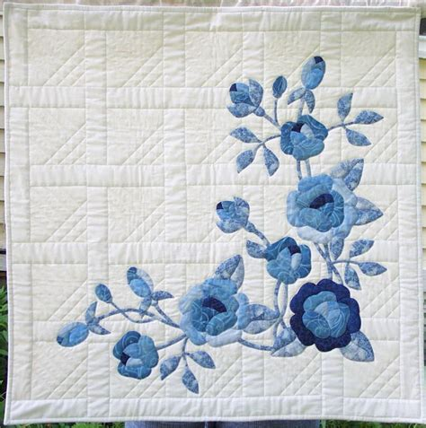 quilt pattern rose winter roses by beth ferrier craftsy