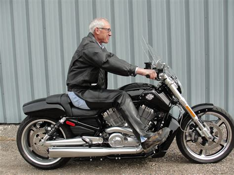 Harley Davidson 6089 harley davidson v rod release compact mid