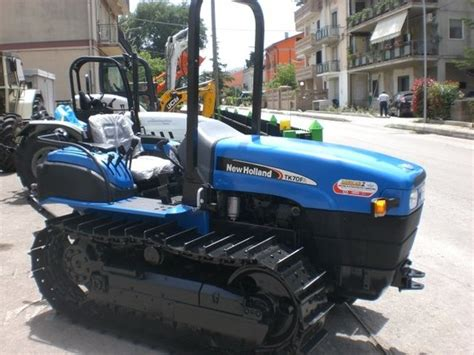 trattori cabinati 2005 new tk 70 fa in italia