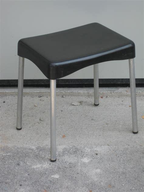 sgabello usato sgabello nero utileusato