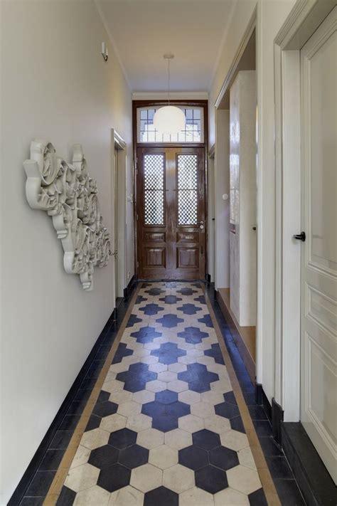 Foyer Tile by 15 Floor Tile Designs For The Foyer