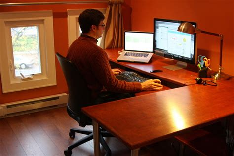How To Build An Ergonomic Computer Desk Ergonomic Home Computer Desk