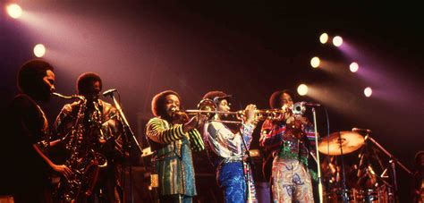 earth wind and fire horn section file earth wind and fire jpg wikimedia commons